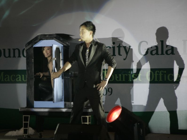 Magician Performing at PATA Convention_(Women Trick)